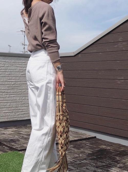 ユニクロ 白ワイドパンツ コーデ4
