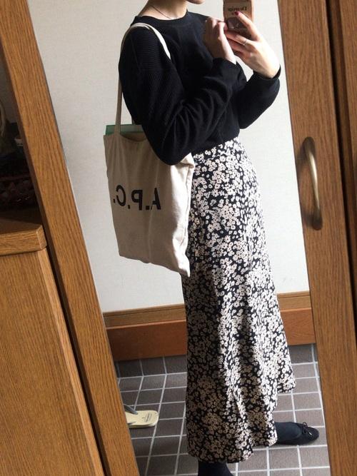 定番!ユニクロのワッフルTシャツ×スカートコーデ