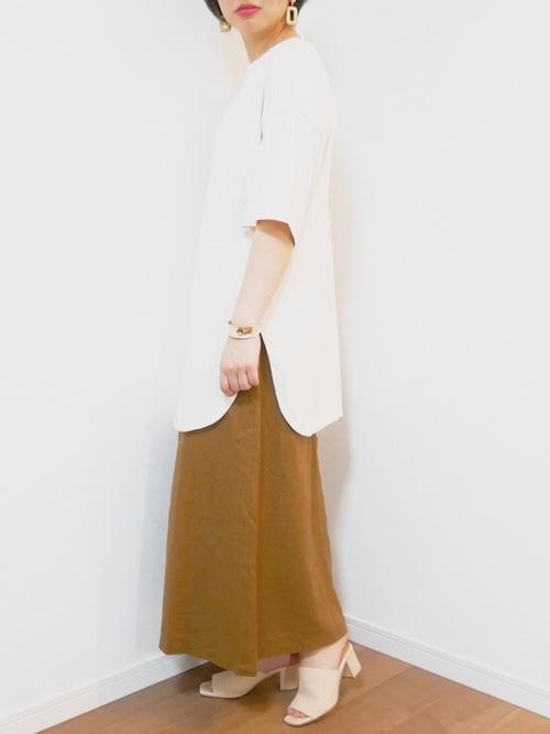 GUのおしゃれTシャツ×スカートコーデ4