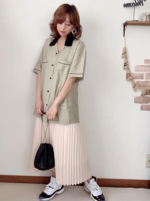 GUのシャツ×おしゃれスカートファッション