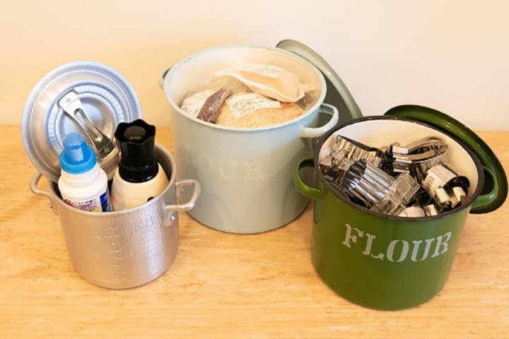 バケツやホーロー容器を使って細かい道具もすっきり
