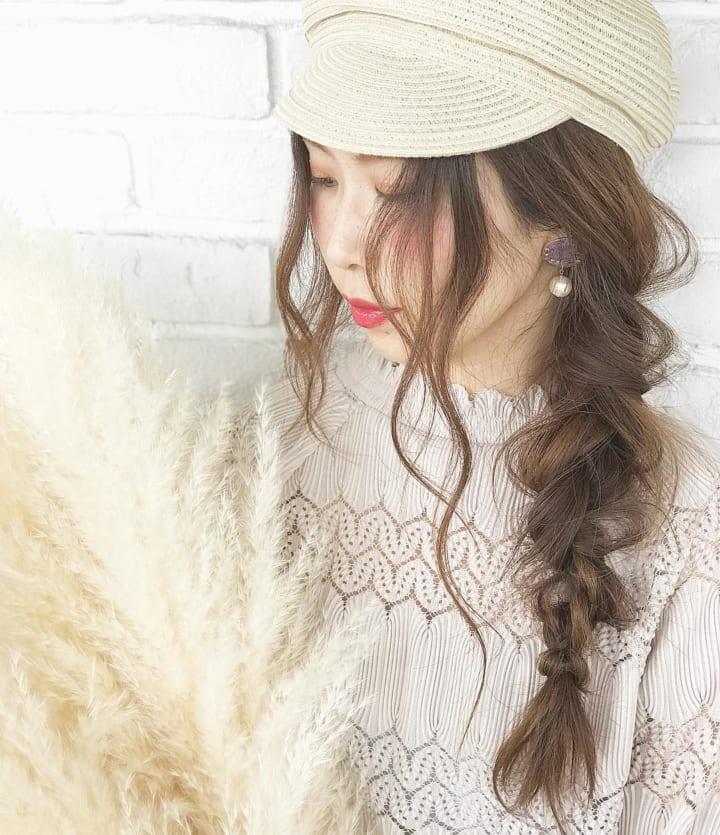 帽子×ガーリーファッション