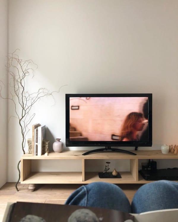 テレビボードをおしゃれに取り入れたインテリア4