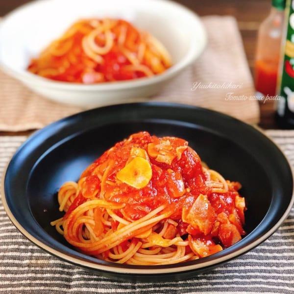 トマトたっぷりのベーコンパスタ