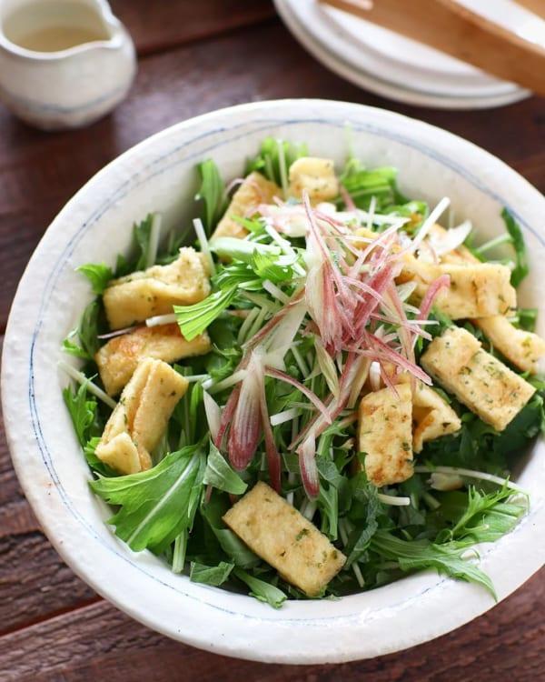 水菜と油揚げの香味シーザーサラダ