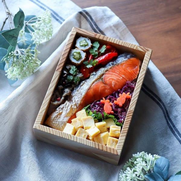 夏 お弁当 焼き魚