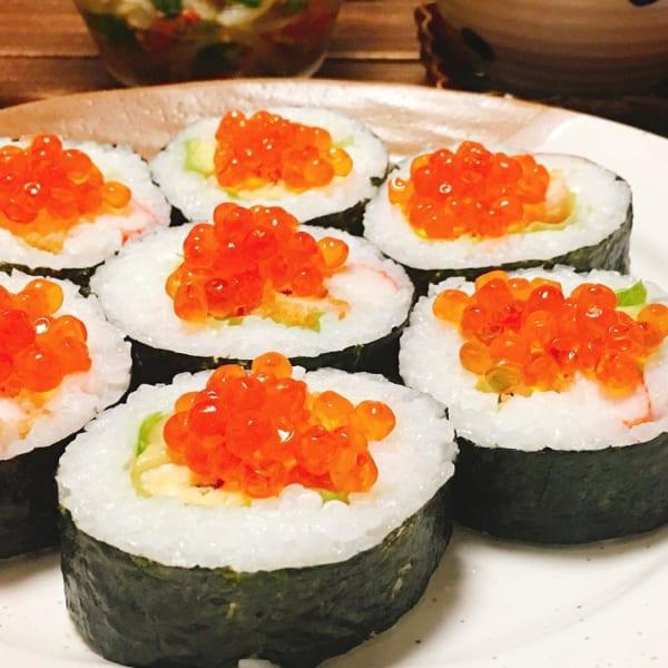 いくらのせ巻き寿司