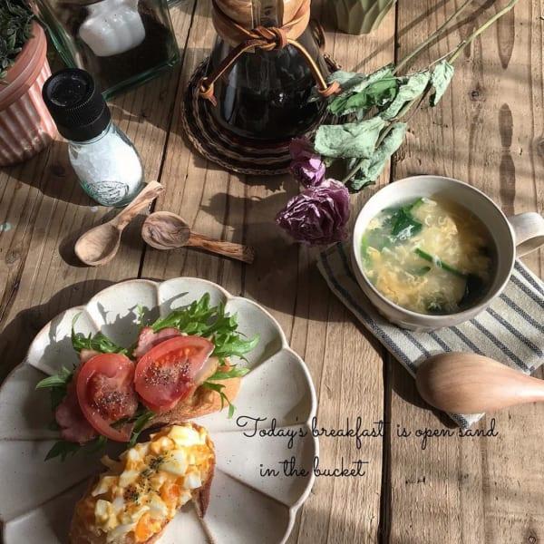 たまごとほうれん草の中華風スープ