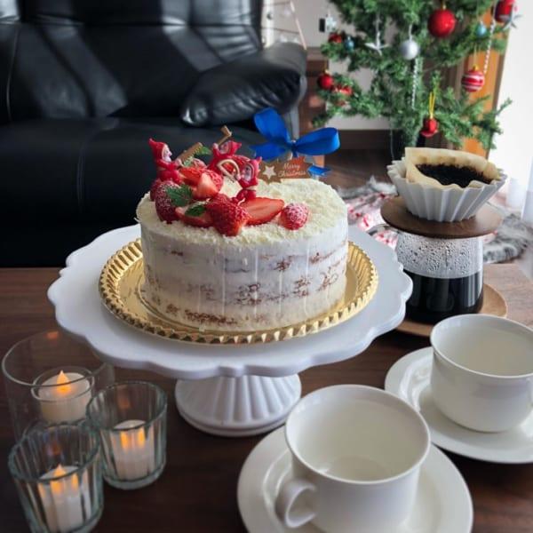 ホワイトチョコレートのデコレーションケーキ