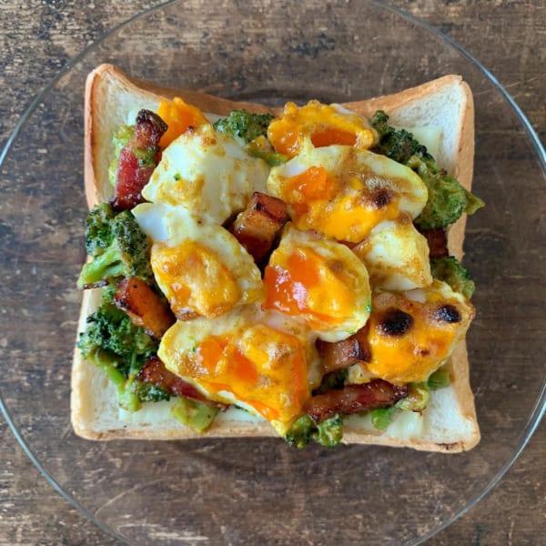 カレー風味の卵とブロッコリーのサラダ