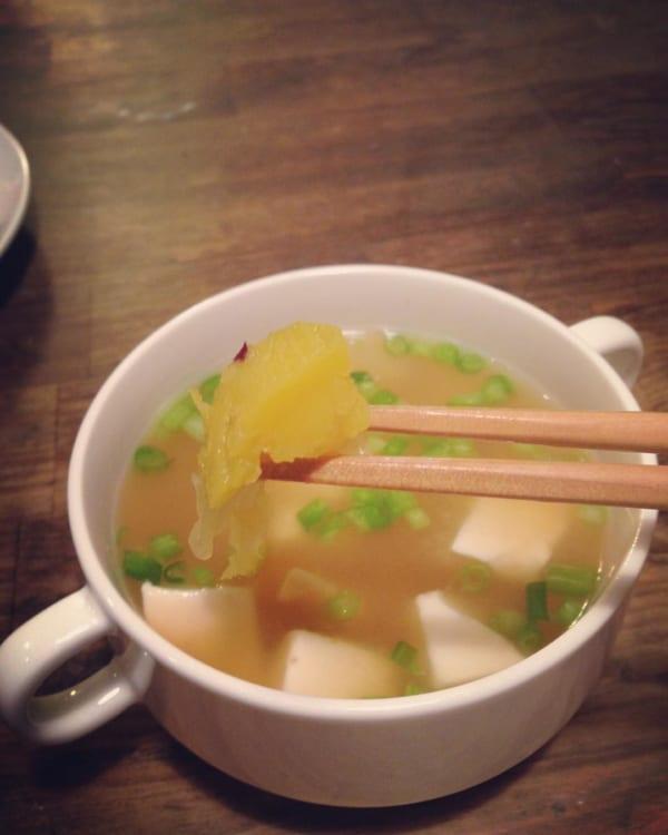 さつまいもと豆腐の味噌汁