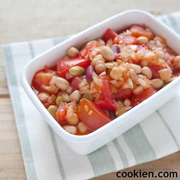 トマトと豆のサルササラダ