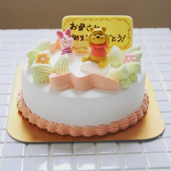 カラフルでおしゃれなホールケーキ