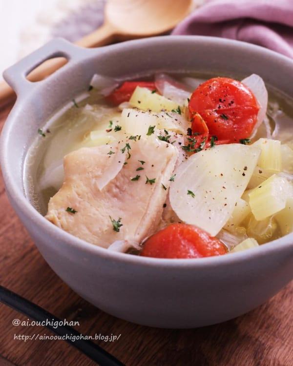 鶏肉と野菜のスープ