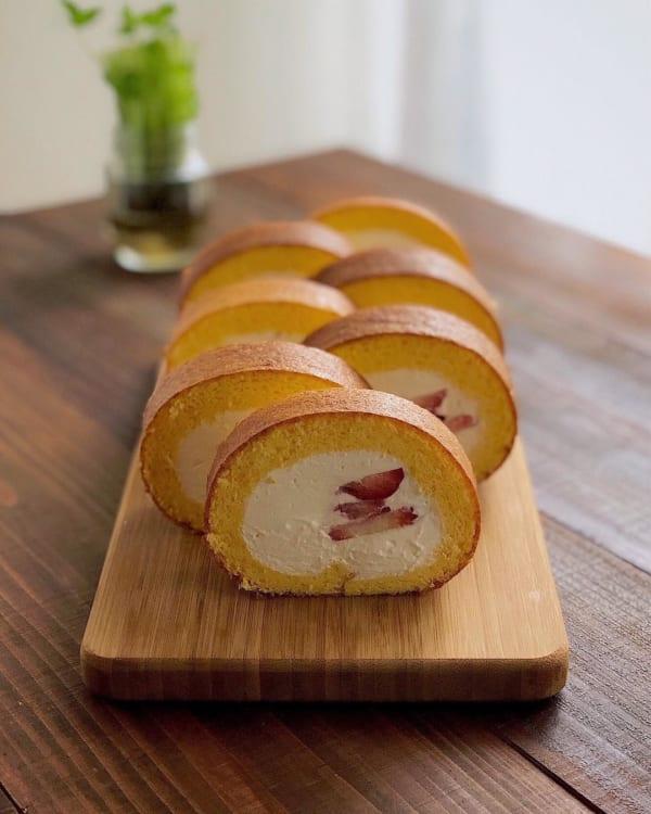 フルーツ入りロールケーキ