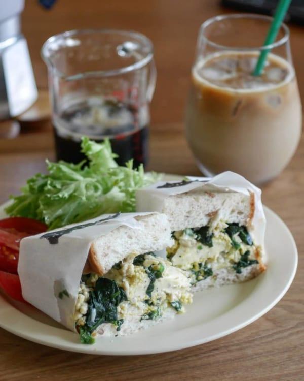 ほうれん草とたまごとチーズの朝ごパン