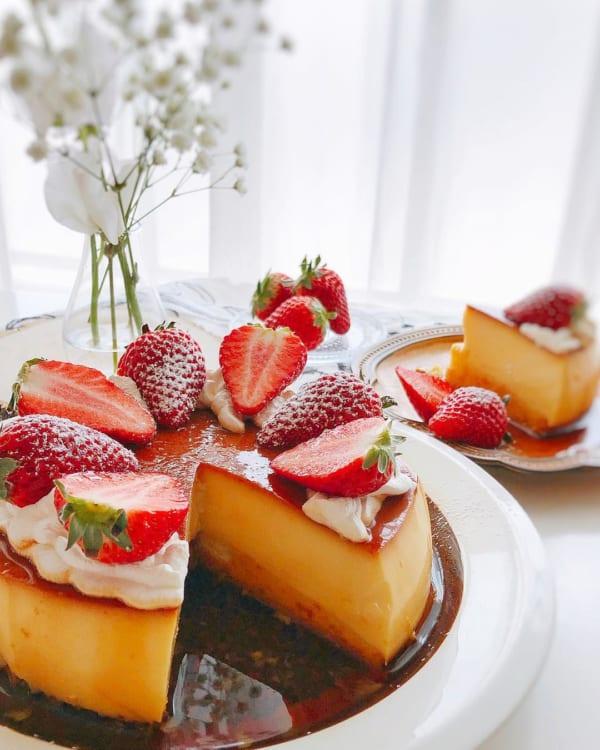 デコレーションが可愛いプリンケーキ