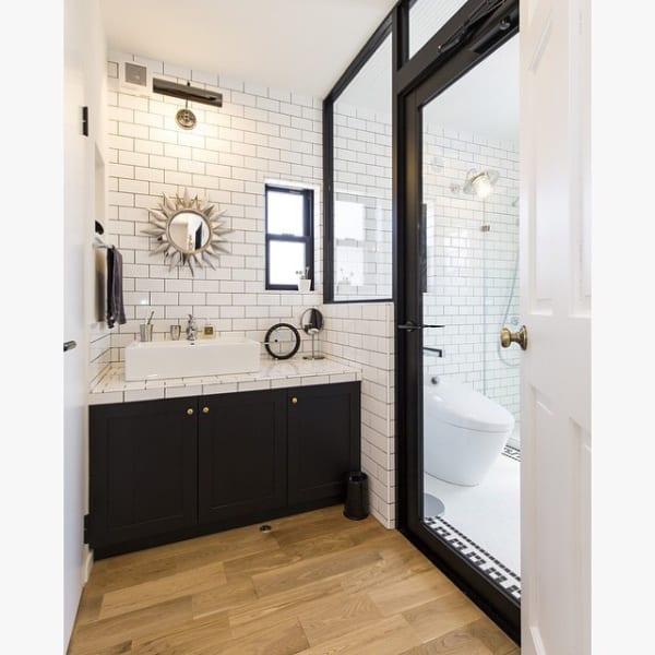 北欧×ミッドセンチュリーが融合された洗面所