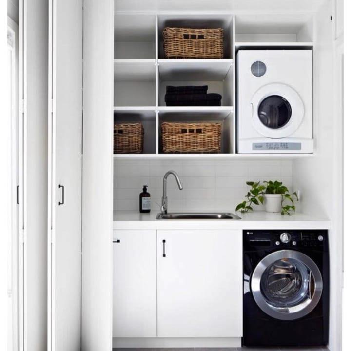 シンプルなカラーリングが清潔感のある空間づくりのポイント
