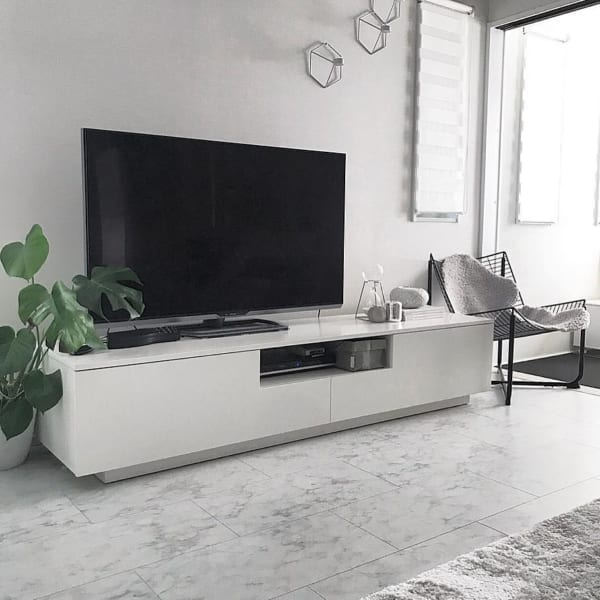 テレビボードをおしゃれに取り入れたインテリア11