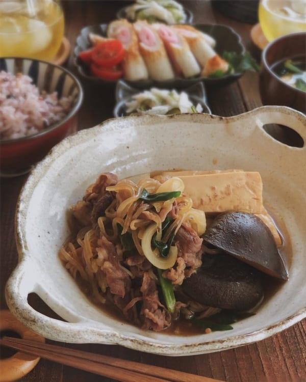 旨味たっぷりの肉豆腐