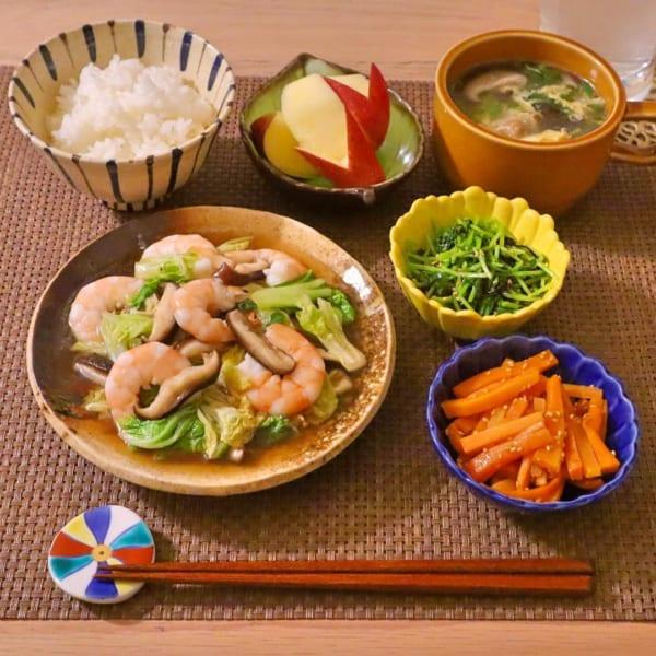 白菜とエビと椎茸の中華炒め