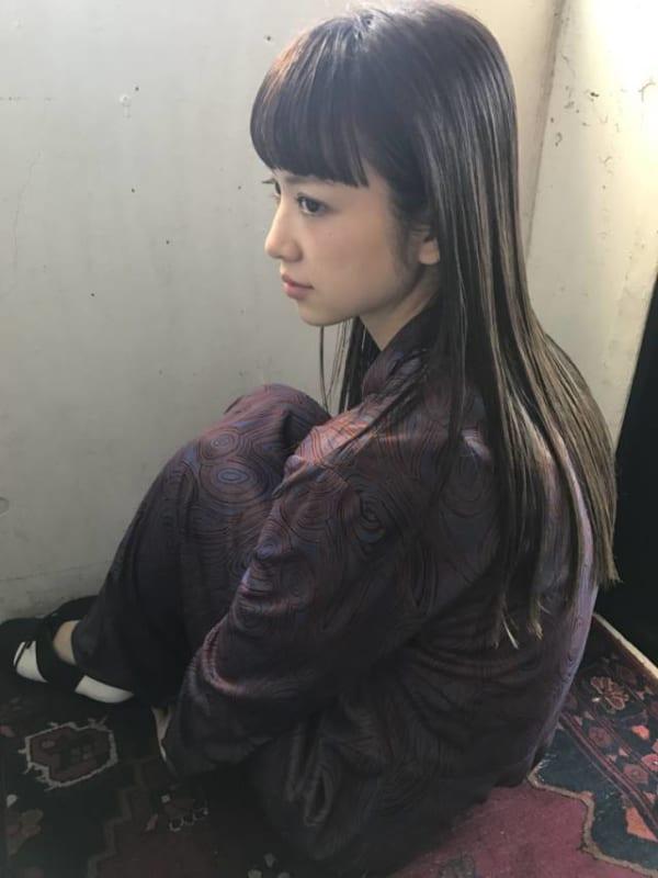 オン眉×黒髪ロング2