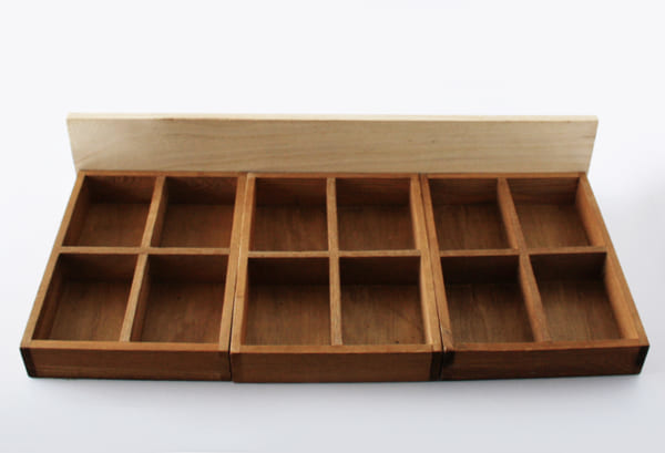 接着するだけの簡単DIY!コレクショントレイの作り方