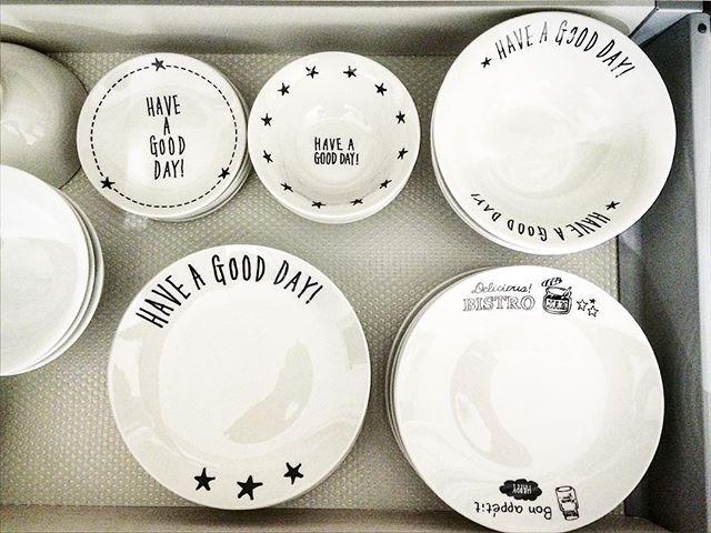 お皿などの食器類