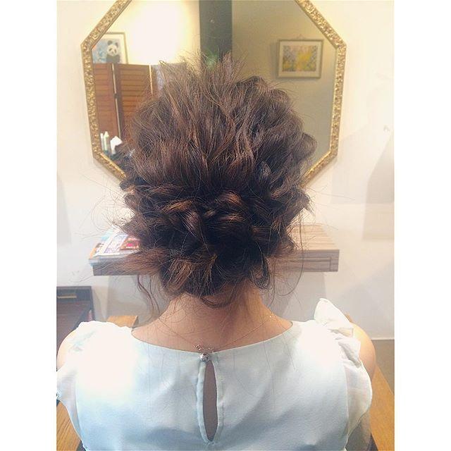 結婚式の髪型《ミディアム×フィッシュボーンヘア》3