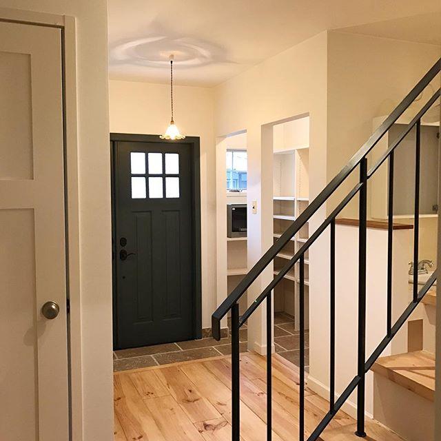 柔らかな「アンティーク調デザイン」でホッとできる玄関を