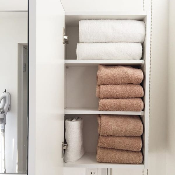 タオルはサイズで分けて収納する