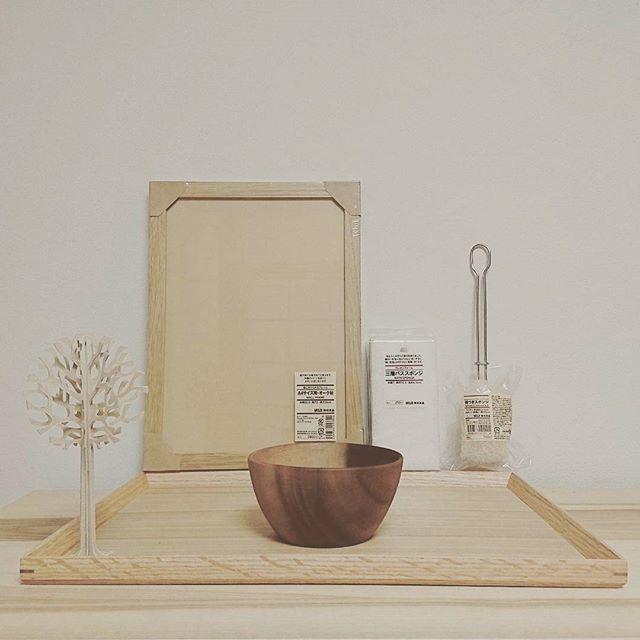 木製の食器でテーブルにぬくもりを
