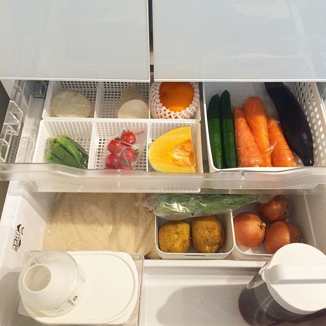 冷蔵庫内を仕切り収納