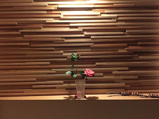ディスプレイスペースになる木の壁3