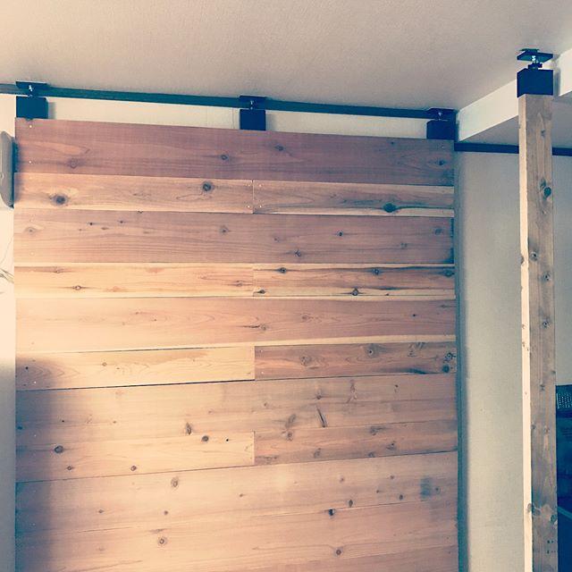 ラブリコを使ったテレビの壁面収納実例3