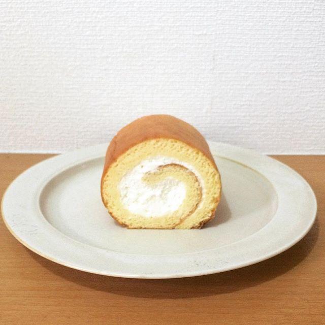 水切りヨーグルトクリームのロールケーキ
