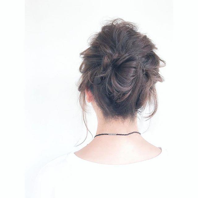 結婚式の髪型《ミディアム×アップヘア》16