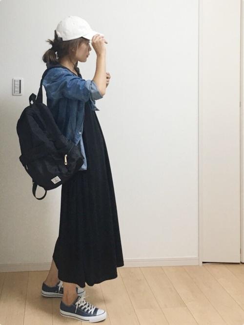 ロングワンピース×デニムシャツのカジュアルコーデ