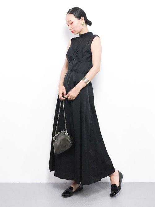 モード系ファッション《ドレスワンスタイル》