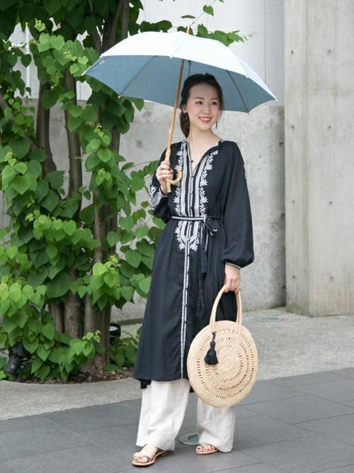 シンプルな無地の日傘