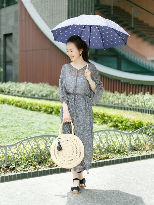 ネイビーの日傘