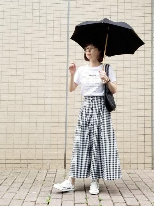 バンブーハンドルがおしゃれなシンプル日傘