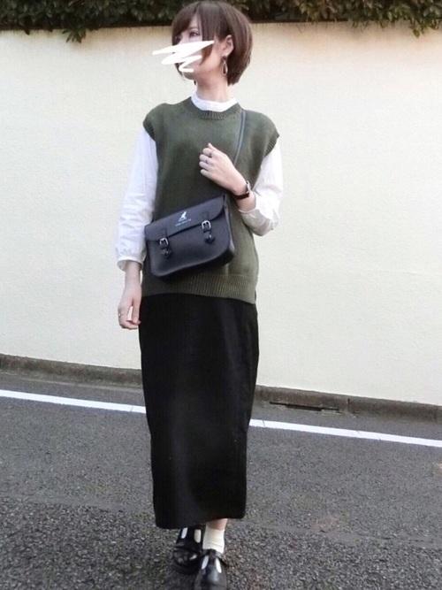 タイトスカートのきれいめカジュアルコーデ