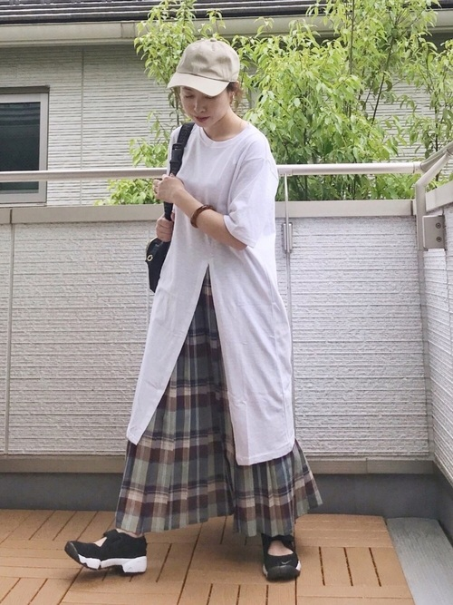 ワンピ×柄スカートで夏の上級レイヤードコーデ