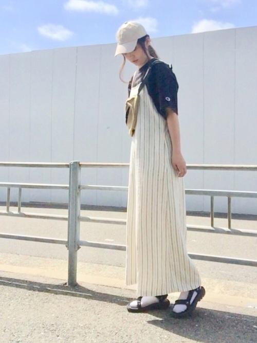 ナチュラルファッション《サロペットコーデ》