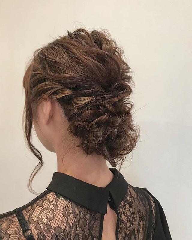 結婚式の髪型《ミディアム×シニヨンヘア》3