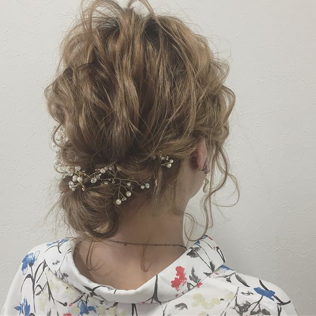 結婚式の髪型《ミディアム×アップヘア》5