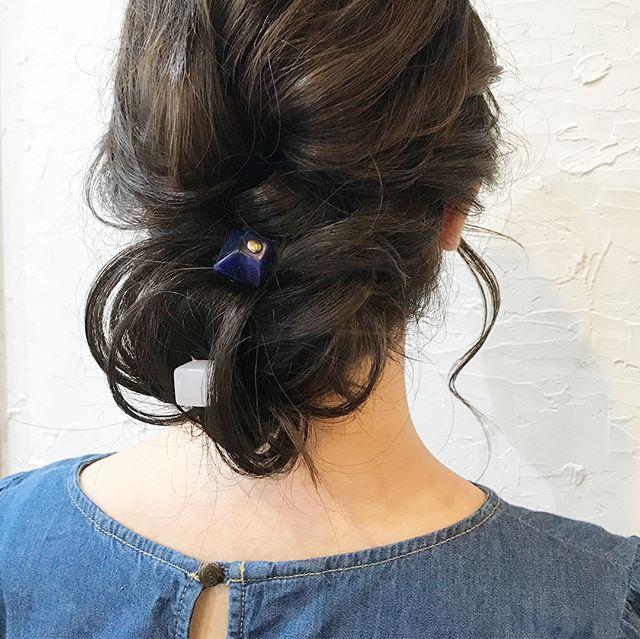 黒髪×シニヨン