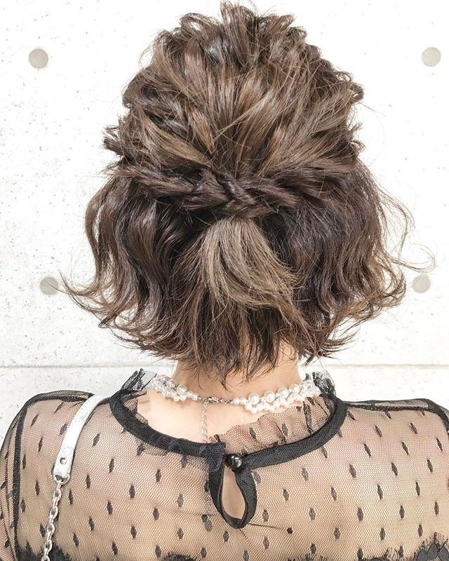 結婚式の髪型《ミディアム×ハーフアップヘア》4